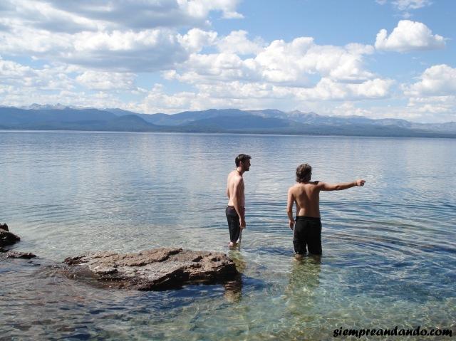 A orillas del lago Nahuel Huapi.