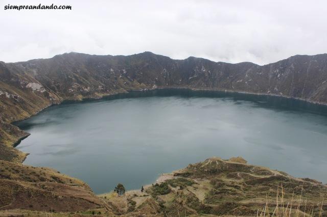 La laguna Quilotoa en el cráter del volcán