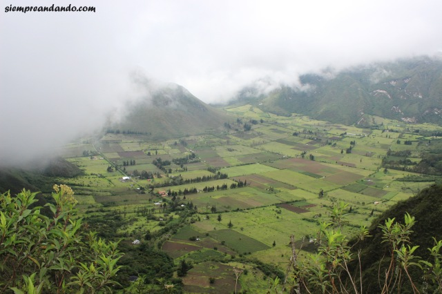 El pueblo escondido dentro del cráter del volcán activo Pululahua