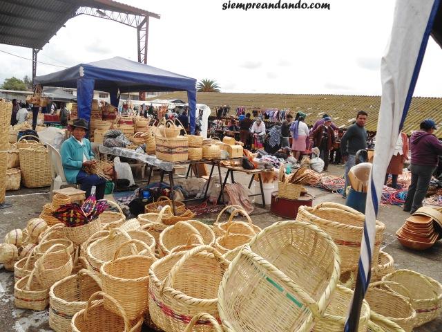 Mercado de artesanías cerca de Tigua