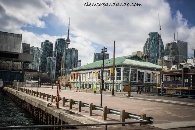 Toronto (2105).